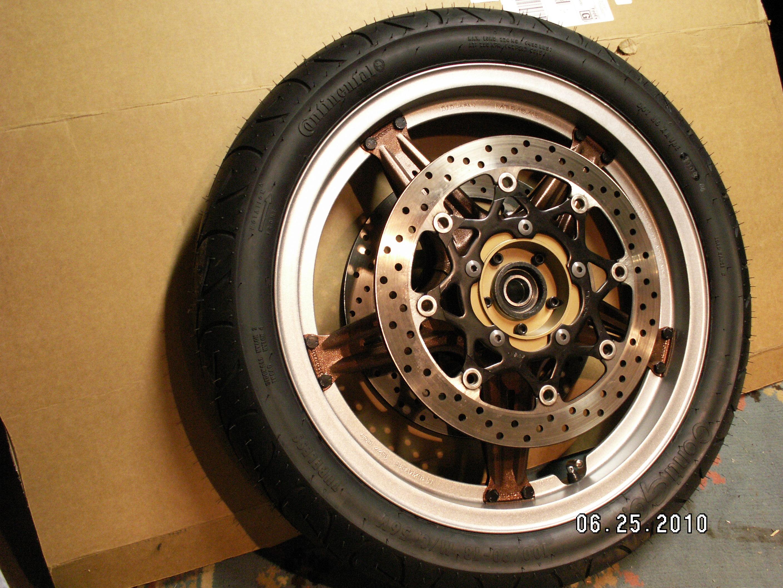 CX wheel with rotors 003.jpg